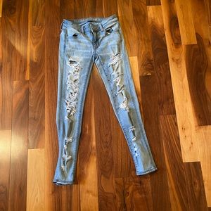 American Eagle Ripped Super Stretchy Jean